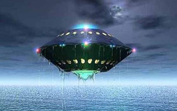 外星-飞船.jpg