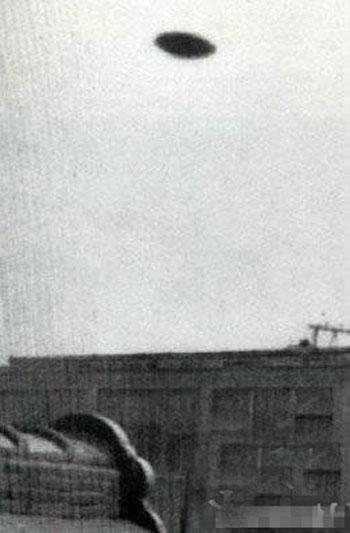 最真实ufo照片曝光10.jpg