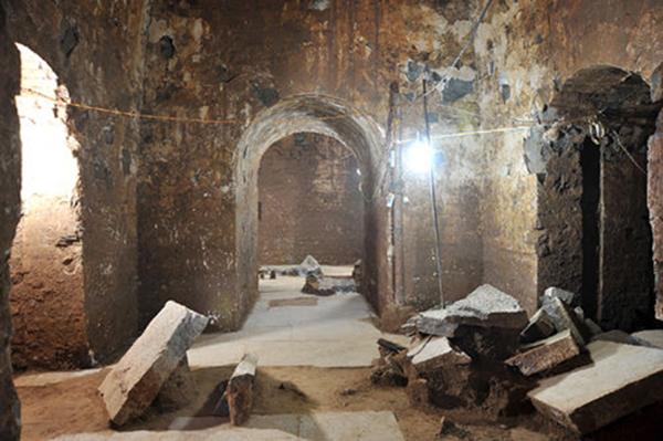 曹操墓中的千年干尸,竟然是没有脸的干尸