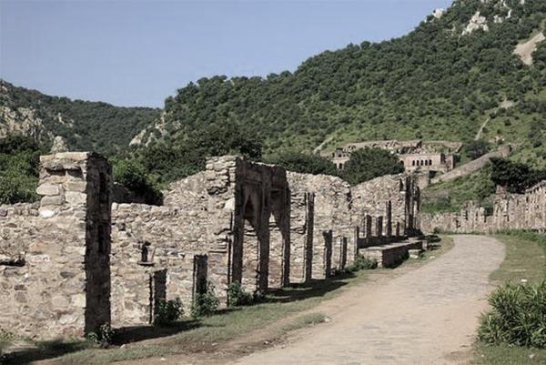 印度_拉贾斯坦邦的斑嘎城堡.jpg
